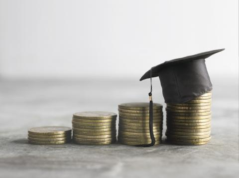 Financial Aid 101: How to Apply for College Scholarships